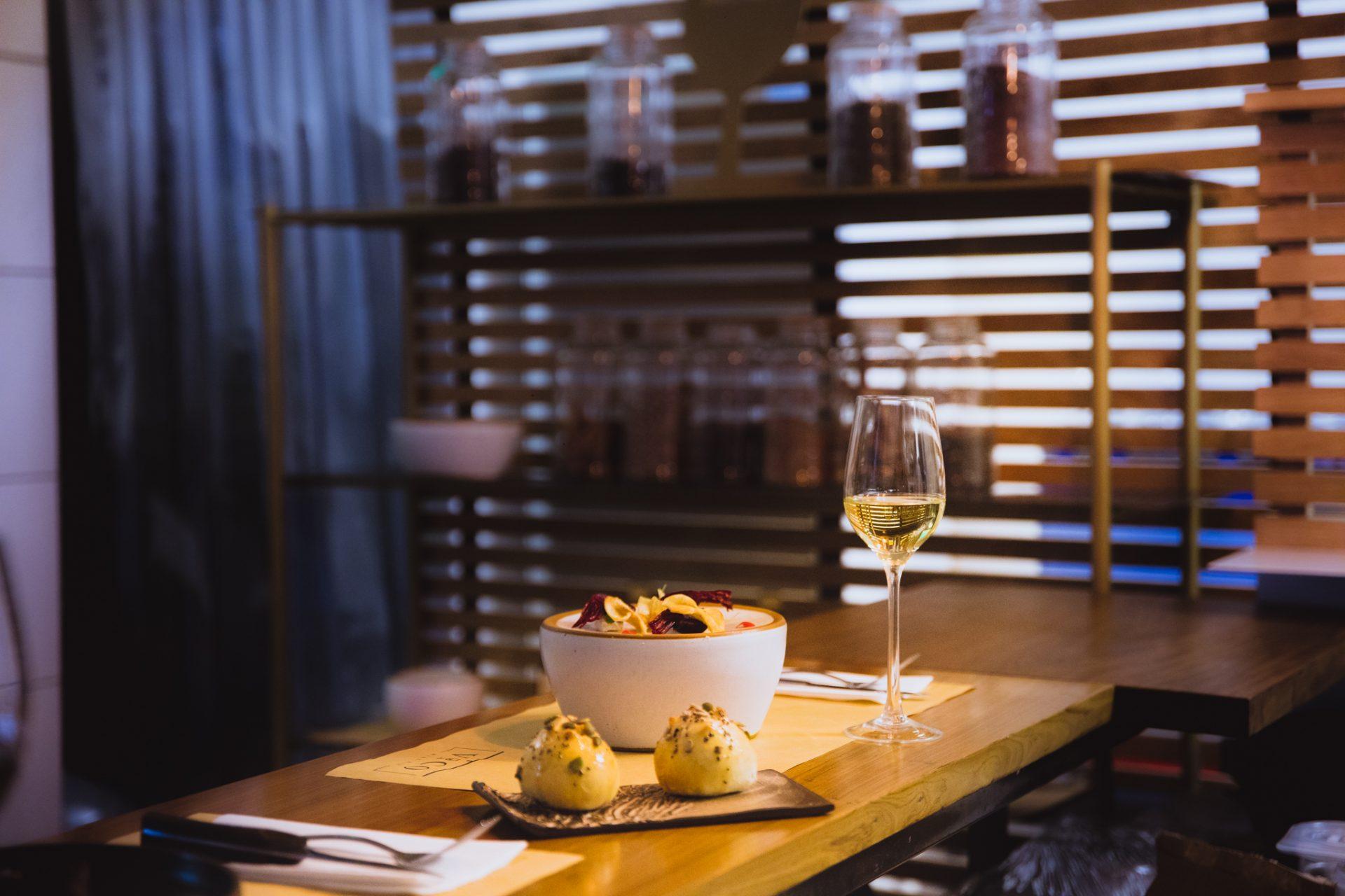 Mesa servida del bar Vico Palermo.